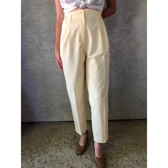ca73bf23a7ee  vintage  light yellow cotton pleated trousers. M 5b625aea4cdc301d3d922d1e